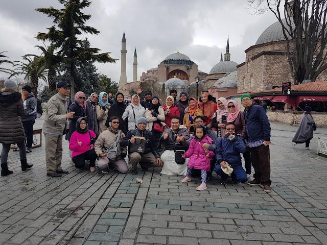 Paket Tour Turki Sholat di Masjid Hagia Sophia / Aya Sofia