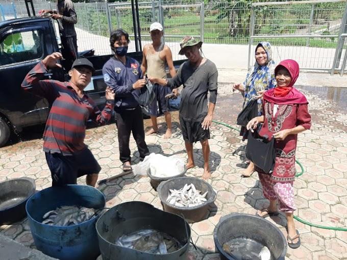 Pandemi Corona, BBI Bagikan Ikan Konsumsi Kepada Warga Sekitar