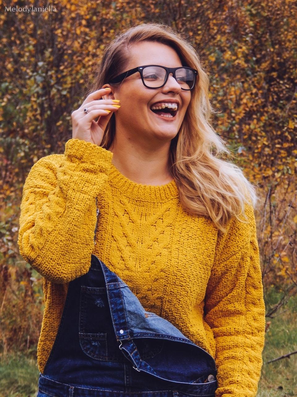 12 jeansowe długie ogrodniczki z czym nosić żółty sweter zakupy w primark ceny jakość daniel wellington opinie zegarki stylizacja minionek cosplay jeansowe buty łuków okulary zerówki blond fryzury