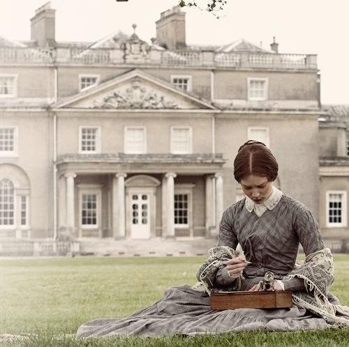 Bridgertons - Quem é Lady Whistledown?