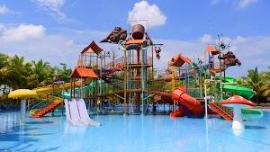 Cerita Liburan Akhir Tahun, Bermain Ombak Buatan di Water Park Paradise-Q dekat Pontianak