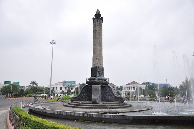 tugu muda | Wonderful Indonesia