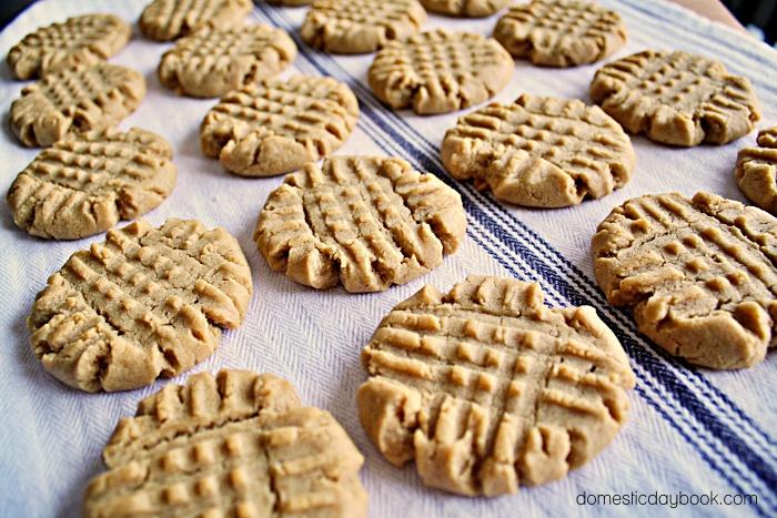 Perfect Peanut Butter Criss-Cross Cookies