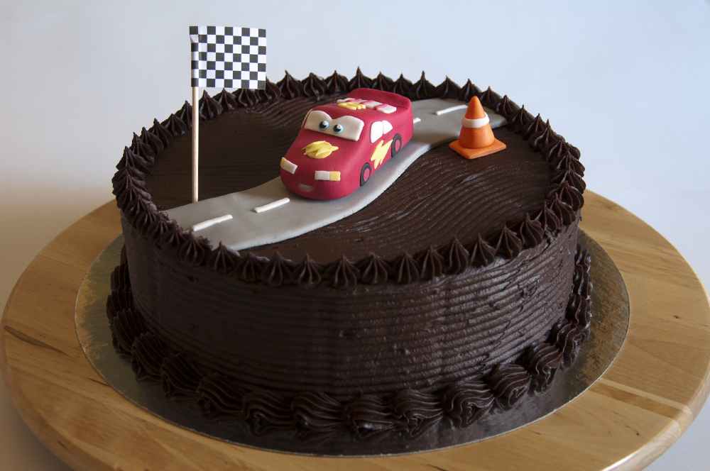 Tartas Decoradas Con Fondant Madrid Tarta De Chocolate Y Cars | Catcakes - Repostería Creativa