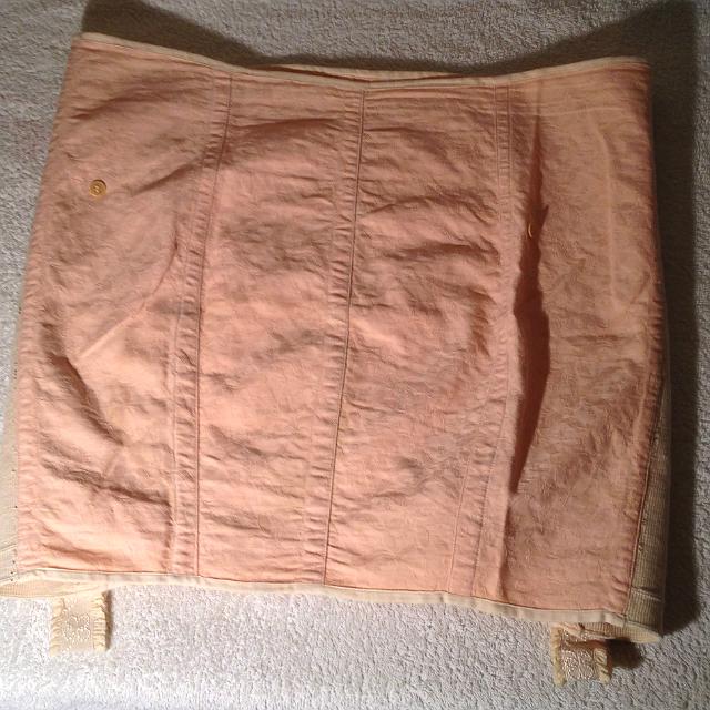mintás brokát anyag girdle harisnyatartóval