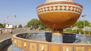 Niger bowls decorate the Streets of Niamey