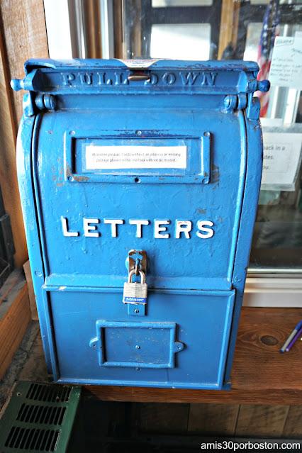 Buzón de Cartas del Sherman Adams Building en la Cima de Mt. Washington