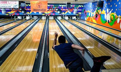 Permainan Bowling dan Arisoft Gun | Pengertian, Penghitungan Skor, dan Cara Memainkan
