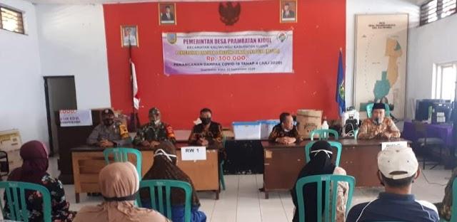 215 Orang Terima BLT DD Tahap IV di Desa Prambatan Kidul