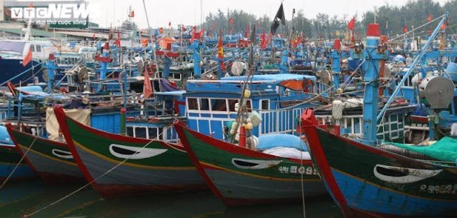 Trung Quốc đâm chìm tàu, bắt ngư dân Việt Nam: Hành vi ngang ngược, vô nhân đạo
