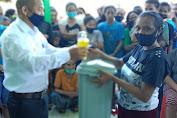 Cegah Penularan Corona, Pemdes Wudi Bagikan TCT dan Masker untuk Warga