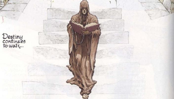 """Imagem: uma ilustração do Destino, um homem encapuzado em um longo hábito de monge marrom que cobre os seus olhos, segurando um enorme livro com uma capa de couro, descendo uma escada e ao lado um texto em preto com fonte como que escrita a mão que diz: """"Destiny continues to walk""""."""