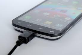 "<img src=""cellphone.png"" alt=""cellphone charging"">"