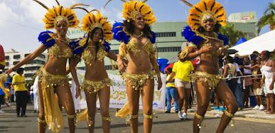 Défilé de groupe au carnaval de Sainte Lucie