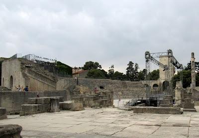 Teatro romano de Arlés. La Camarga. La Provenza