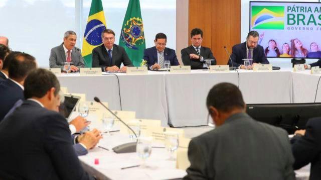 No boteco ministerial de Bolsonaro rolou de tudo menos mortes na pandemia