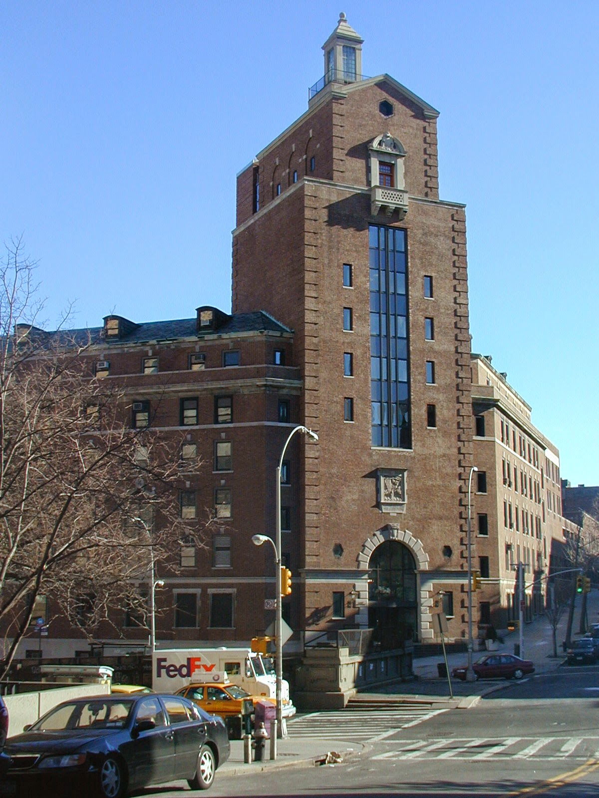 The renovated Kripke Tower at the Jewish Theological Seminary (Photo by Rabbi Jason Miller, 2004)