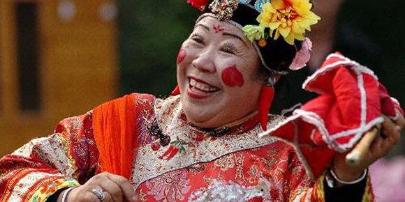 滿族的婚娶育兒禮儀風俗