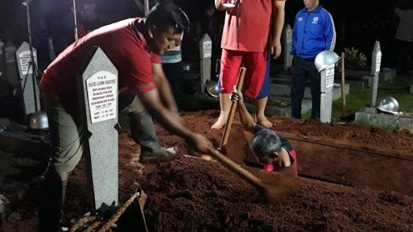 Cerita Penggali Makam Habibie di TMP Kalibata