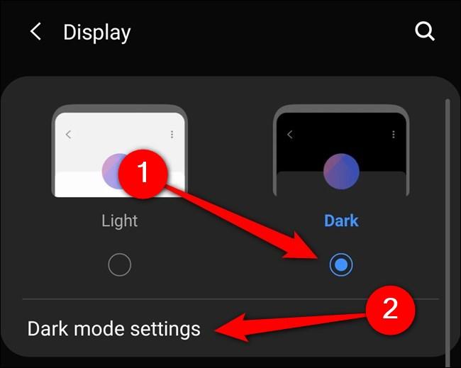 """حدد Samsung Galaxy S20 """"الوضع الداكن"""".  يمكنك أيضًا النقر على """"إعدادات الوضع المظلم""""."""