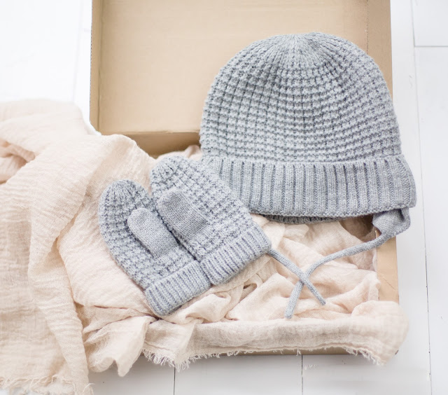 Zara Kids hat and mittens