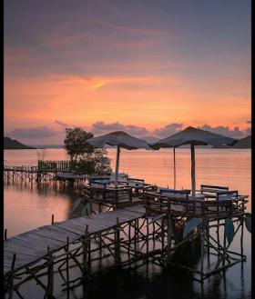 Jelajah Nusantara : Pantai dewi mandapa tempat yang cocok untuk berfoto kekinian