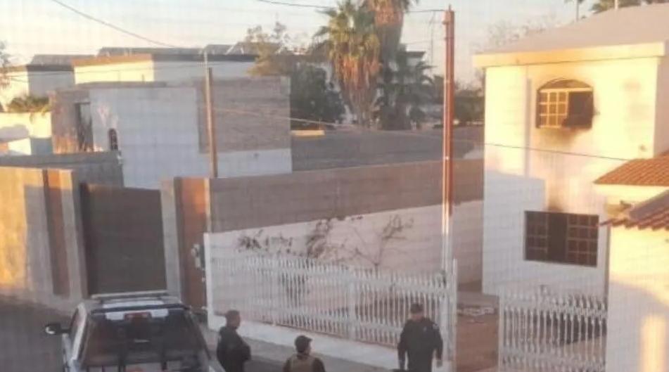 Sicarios queman y balean viviendas esta madrugada, en Caborca, Sonora