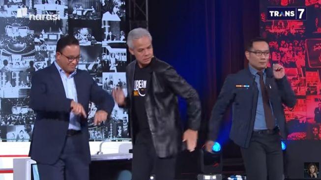 Ridwan Kamil Unggul Dari Anies dan Ganjar Soal Komunikasi Covid-19 ke Warga