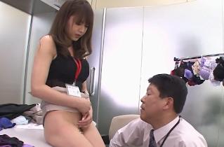 سكس ياباني قوي ومثير في المكتب