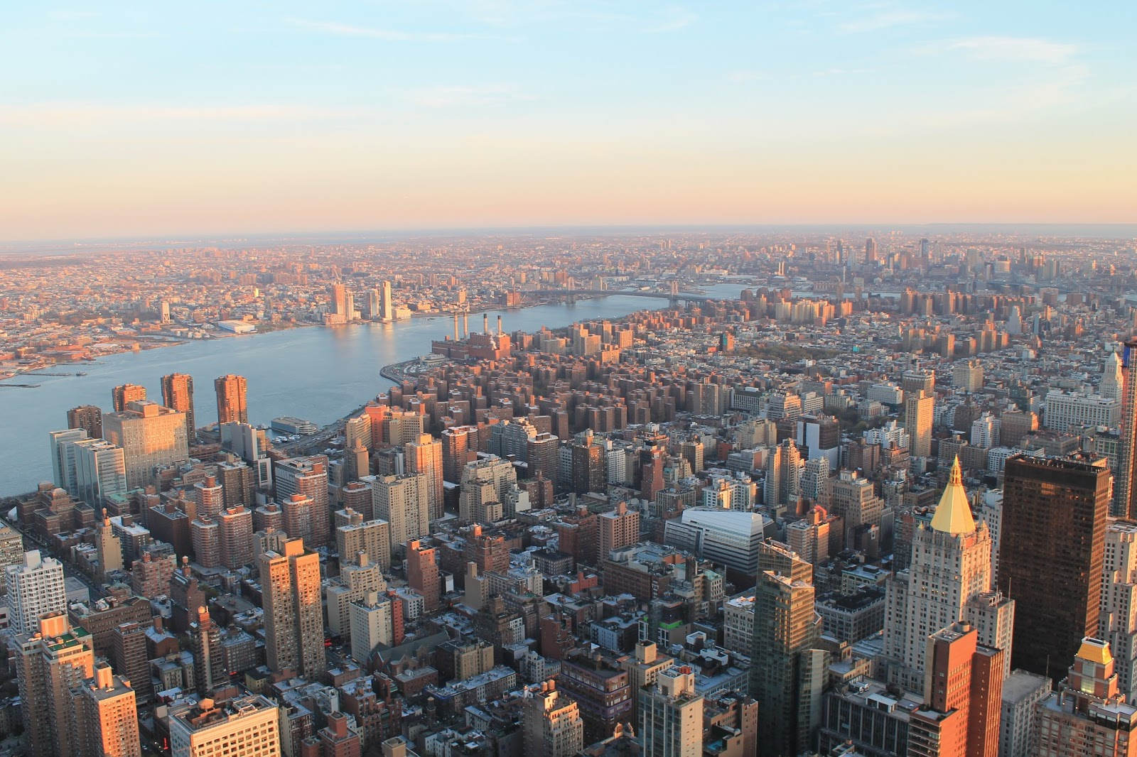 usa, nyc, new york, city, empire state building, top, vue, panorama, panoramique, coucher de soleil, sunshine, soleil, voyage, trip2live, road trip, holidays, airbnb, ceetiz, sky