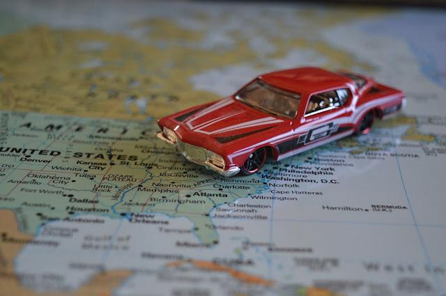 Vantagens e desvantagens de viajar de carro