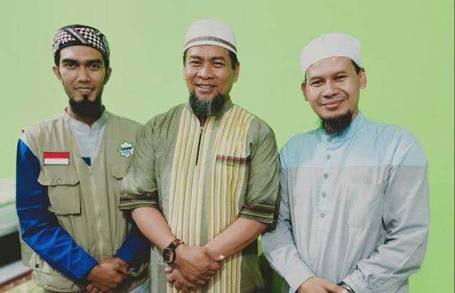 Ustadz Rahmat Baequni dan Zulkifli M. Ali
