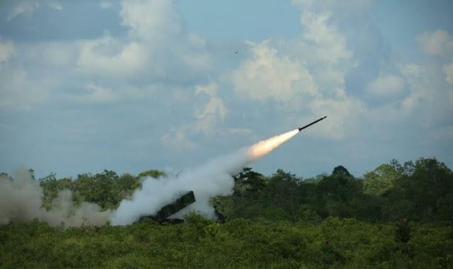 Dahsyatnya Tembakan Astros Yonarmed-1 Kostrad di Martapura