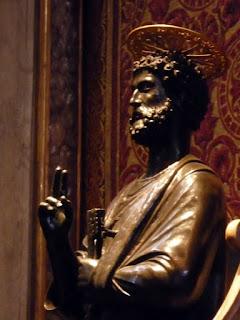 Sao Pedro por (provavelmente) Arnolfo de Cambio, escultor e arquiteto do séec XIII