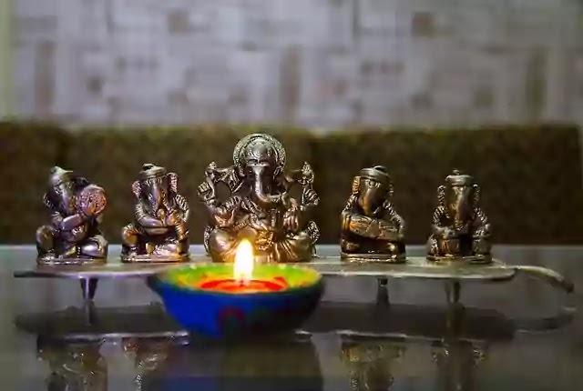 Laxmi-puja-Diwali