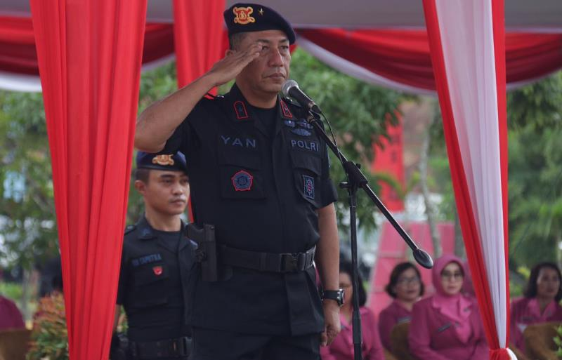 Wakapolda Kepri Pimpin Upacara Hut Ke-74 Korps Brimob Polri