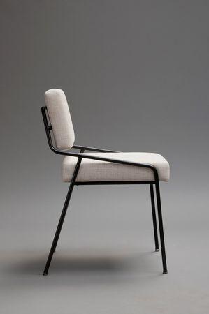 Desain kursi gaya minimalis