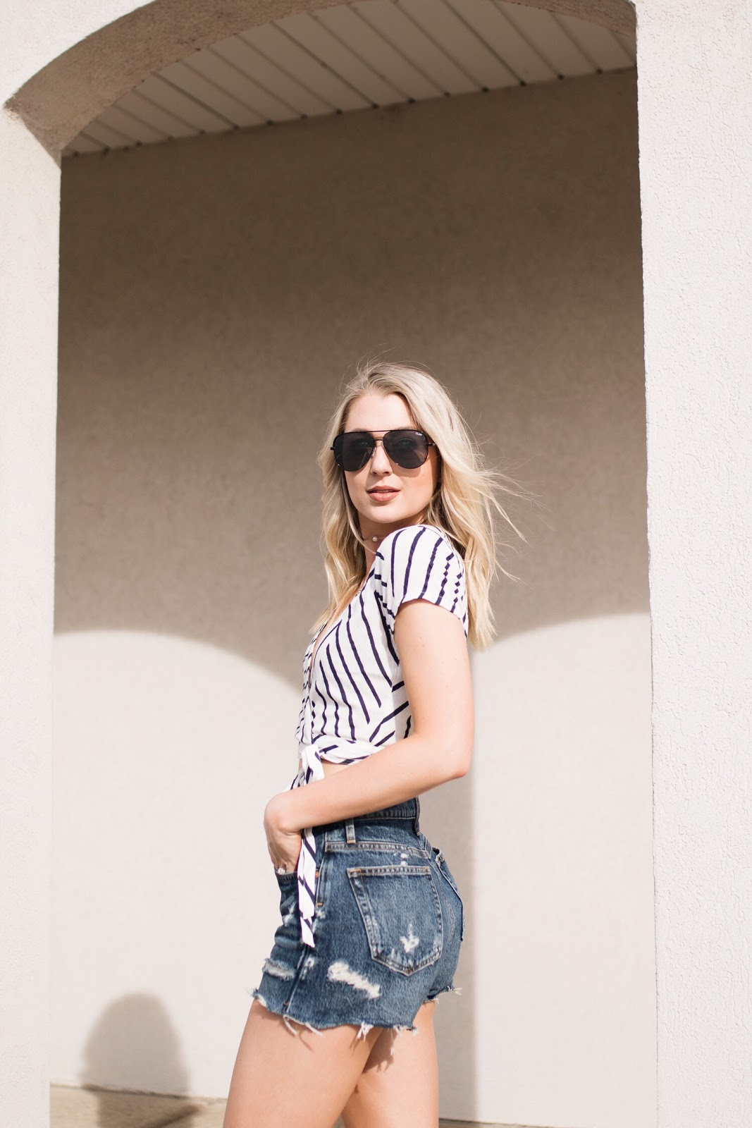 "Quay ""high key"" sunglasses, crop top, denim shorts"