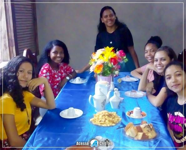 TARDE DE CHÁ COM O GRUPO DONZELAS DE MARIA EM CODÓ-MA