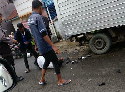 Kecelakaan dijalan pramuka