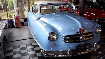 Nash Rambler 1952: carro difícil de ver nos encontros brasileiros.