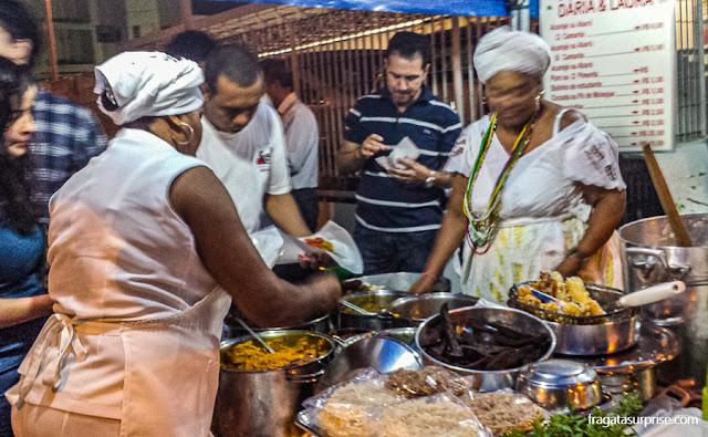 Tabuleiro da baiana de acarajé, culinária da Bahia