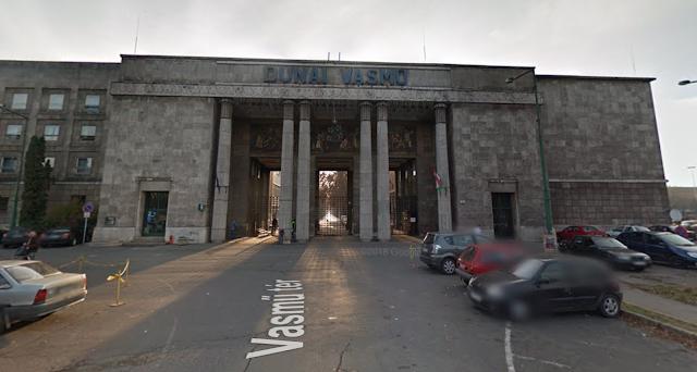 Komcsi lett a polgármester, menekül a Dunaferr: 350 embert bocsát el