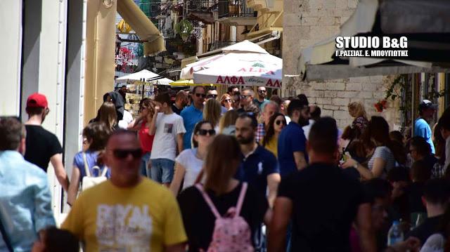 Το Ναύπλιο κέρδισε την προτίμηση των εκδρομέων για το τριήμερο του Αγίου Πνεύματος