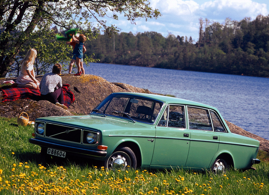 1966 Volvo 144 Grand Luxe related infomation,specifications