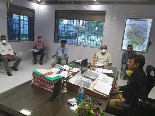 Chhindwara News : कलेक्टर श्री सुमन ने जूम एप के माध्यम से फील्ड अधिकारियों से चर्चा की , जानिये क्या कहा-