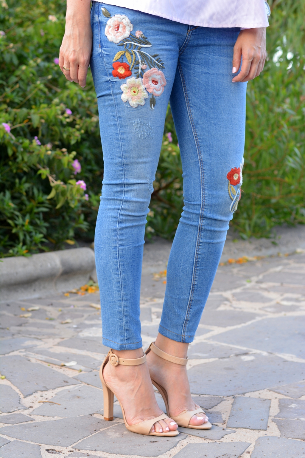 zara-embroidered-jeans-ss16-personalshopper
