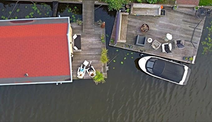 B&B Aangenaam op de Rijn: overnachten in een woonboot in Alphen aan den Rijn