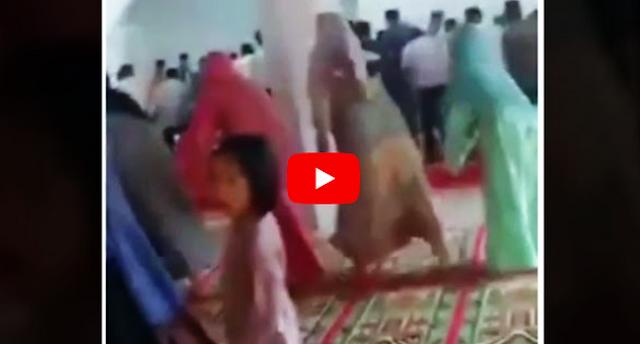 Ratusan Orang 'Joget' di Dalam Masjid Sambil Teriak Lafadz Allah, Warganet Kembali Dibuat Geger