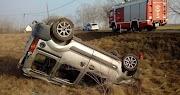 Felborult egy autó az 54-esen